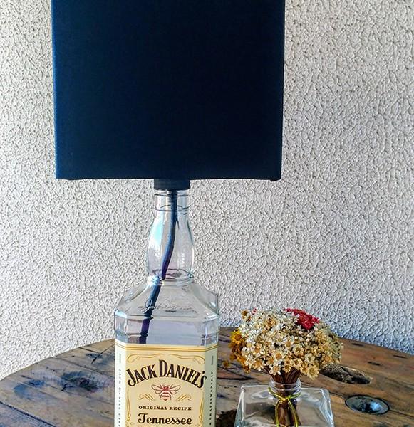 Abajur de garrafa - Jack Honey cúpula preta