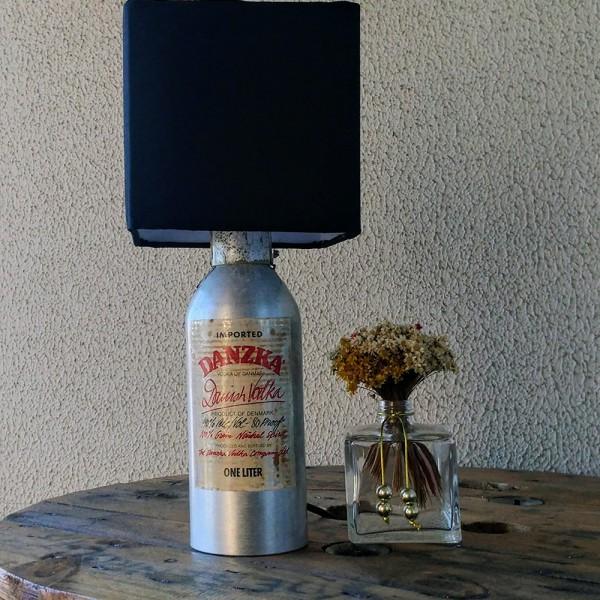 Abajur de garrafa - Danzka cúpula preta